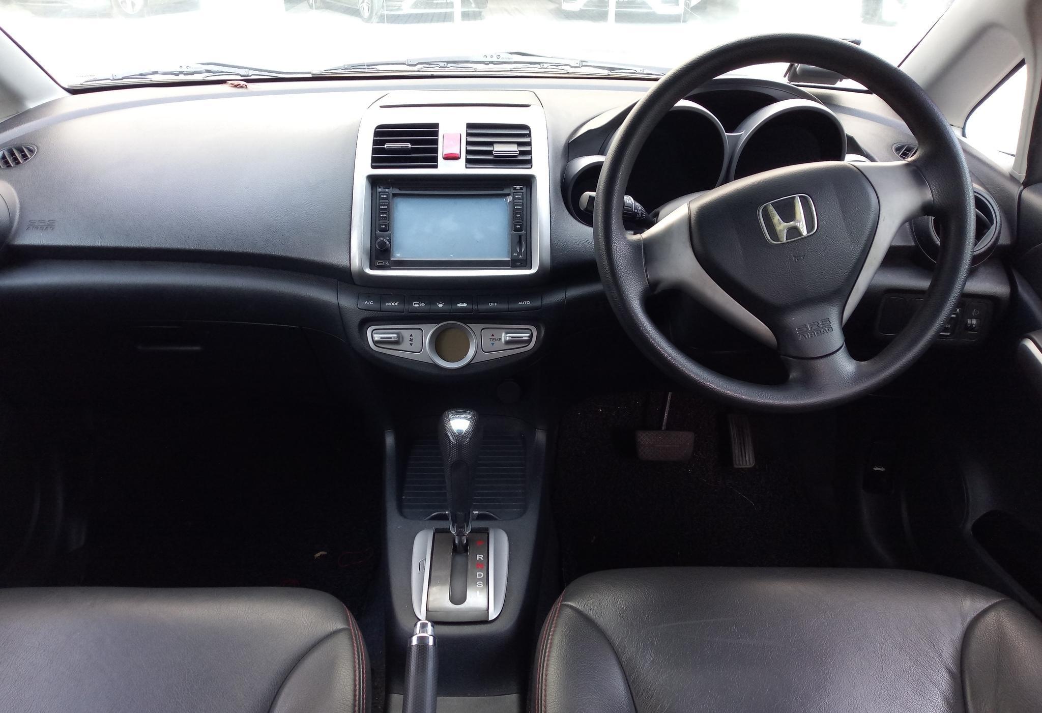 Honda Airwave ~ Comfortable Drive at Low Rental Rate