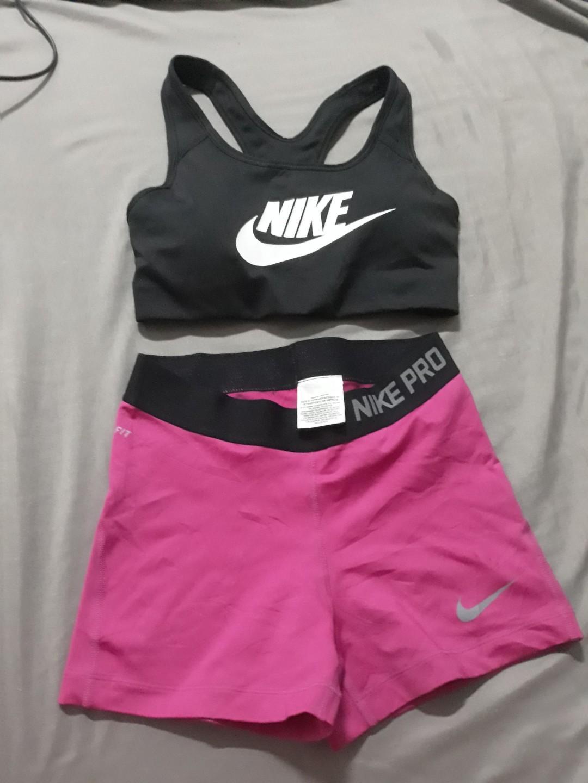 Recuento nostalgia Las bacterias  Nike sports bra and nike pro gym shorts, Sports, Athletic & Sports Clothing  on Carousell