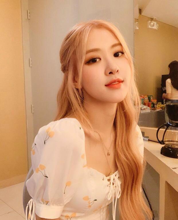 Po Blackpink Rose Yellow Cherry White Dress Entertainment K