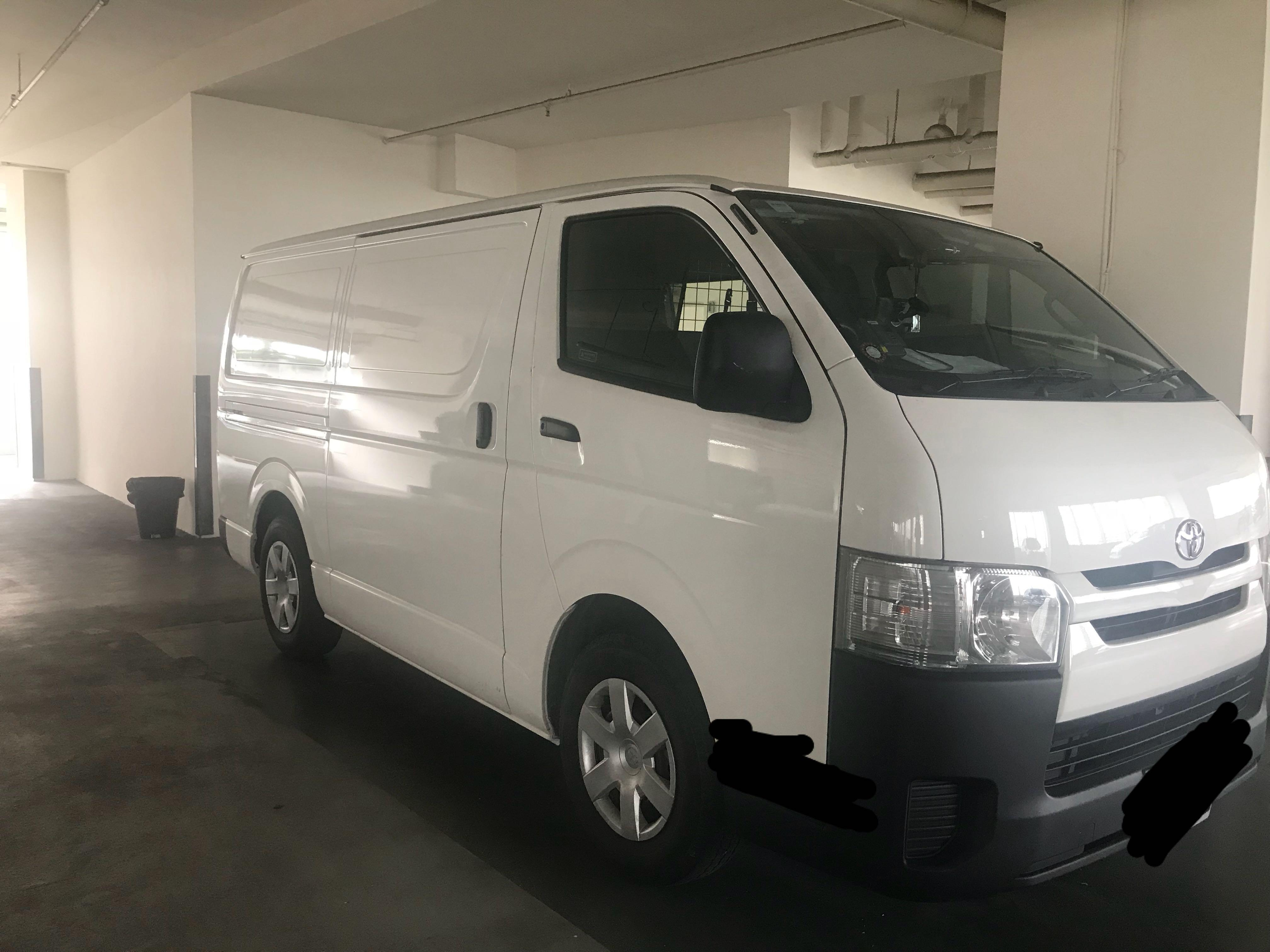 Toyota Hiace 3.0M Van For Rental / Lease
