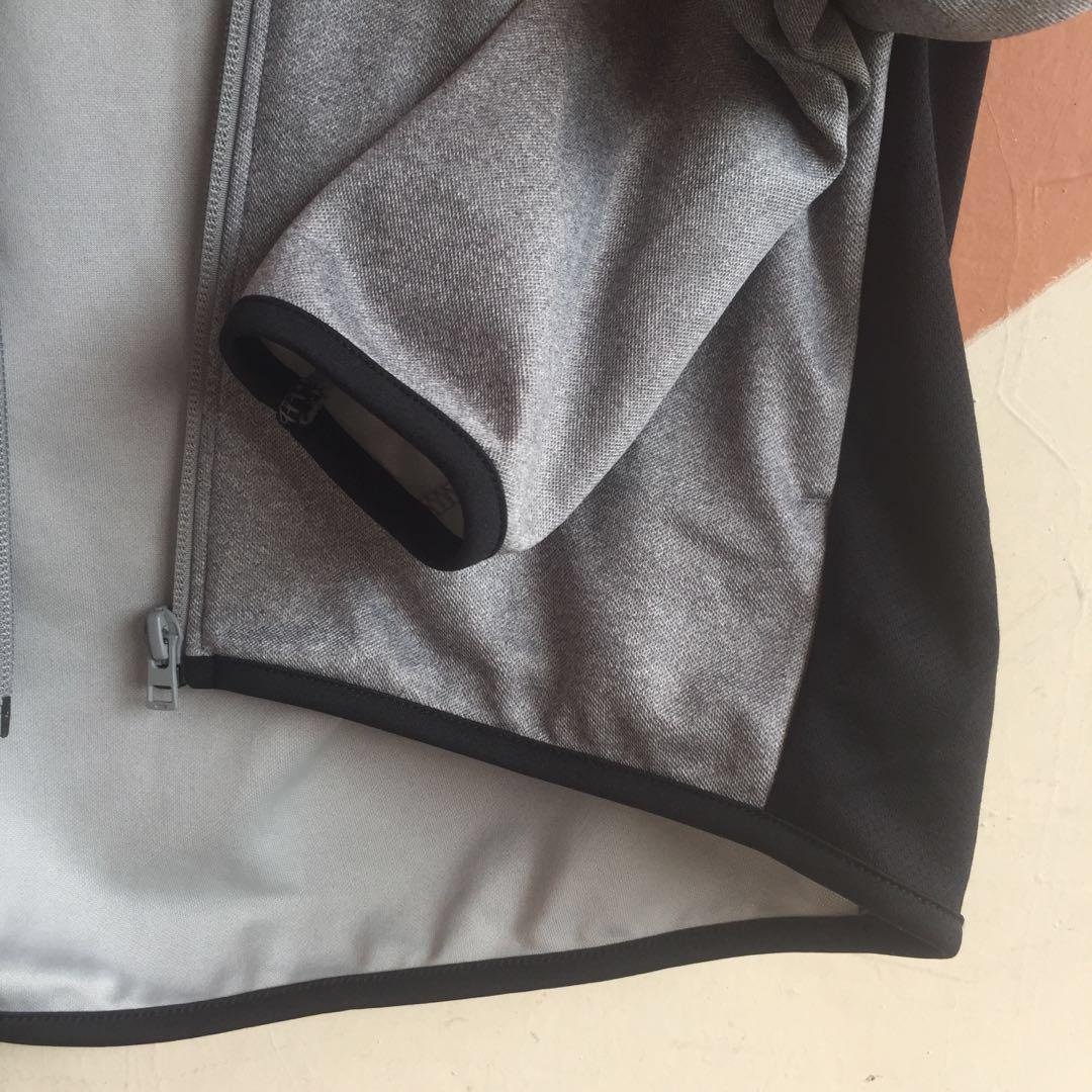 Uniqlo grey sports jacket