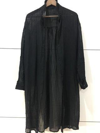 🚚 黑色露膚罩衫