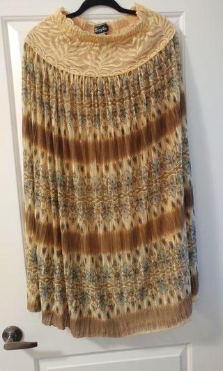 Skirt - Size: S/M