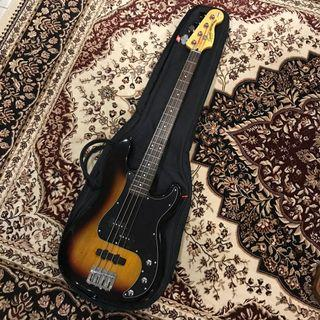 Squier Vintage Modified Precision Bass 3-Tone Sunburst