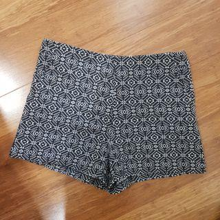 Printed high waisted shorts