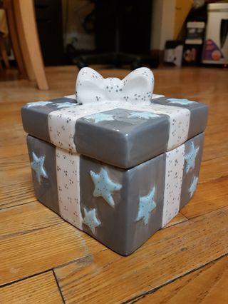 *FREE* Ceramic Box