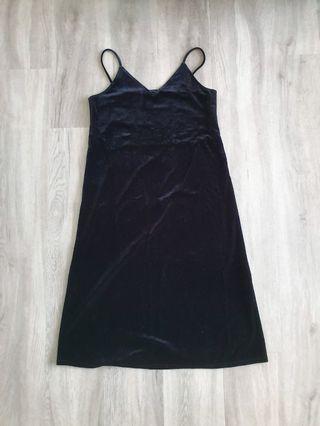 Uniqlo Velvet Midi Dress Black