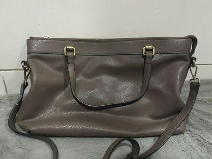 Pretty Fit Leather Bag