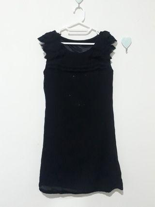 PEPPER + BLACK DRESS