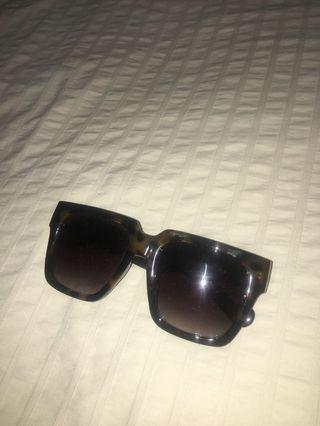 Oversized Square Tortoise Shell Airport Sunglasses