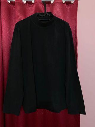 Black sweater beludru