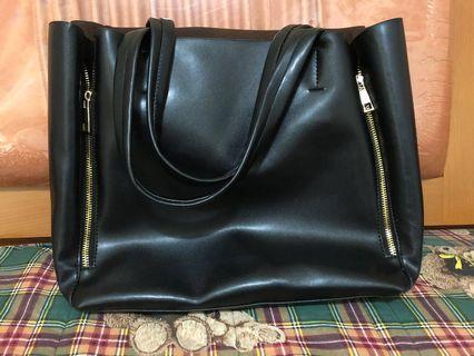 🚚 黑色手提包