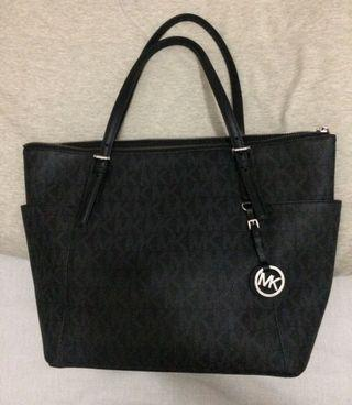 Michael Kors Jet Set Travel Signature Black