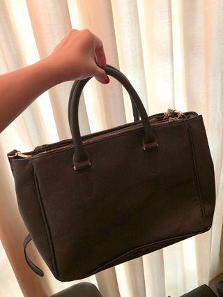 🚚 Mango Handbag