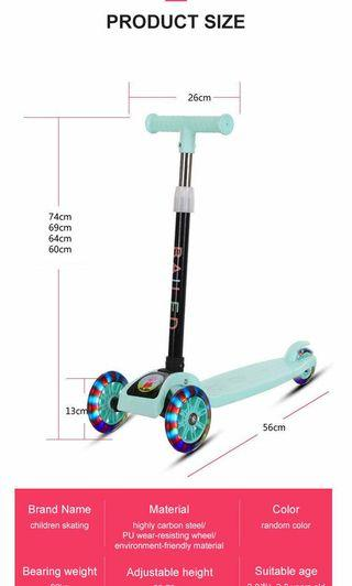Children's scooter, designed for children, foldable and adjustable handles, upgraded large wheel flash design, secure load-bearing chassis, children's scooter