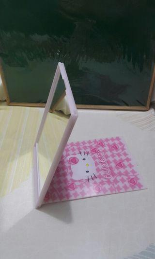 kitty 座枱鏡 2001年出產