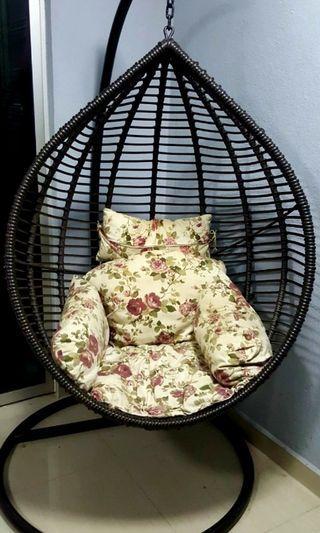 Solid n Sturdy Swing Chair