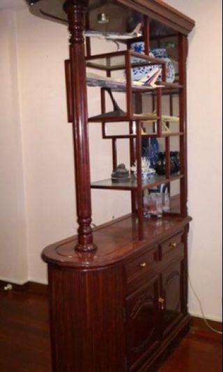 🚚 Rosewood Decorative screen cabinet (Foyer Display)