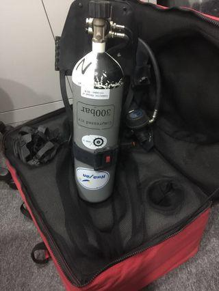 Oxygen tank with mask  and can carry shoulder