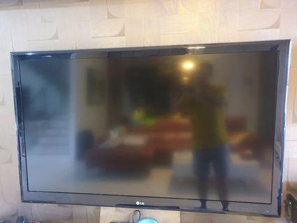 🚚 LG 55 inch TV model 55LE5310