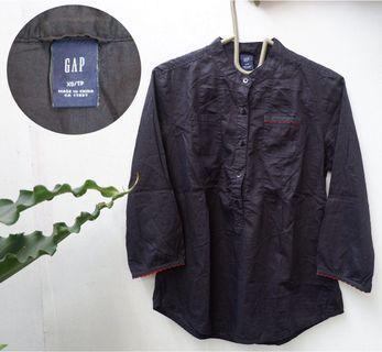 GAP Black shirt top