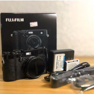 Fujifilm x100t with box, charger, batteries and strap