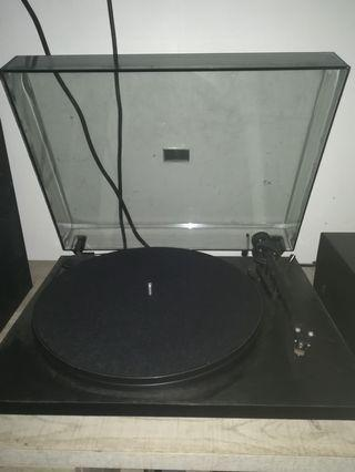 pro-ject essential ll turntable