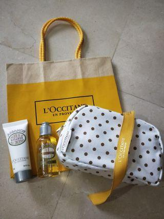 🚚 Loccitane Almond set with Pouch