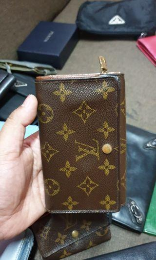 Authentic Louis Vuitton Tresor Wallet Monogram