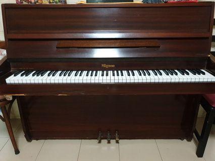 Mignon Piano
