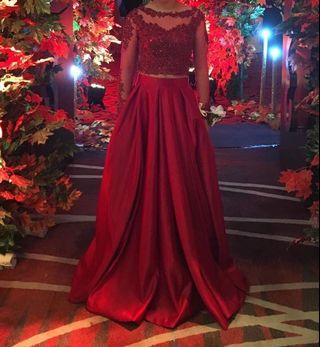 FOR RENT: ELEGANT EVENING GOWN
