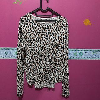Kaos Lengan Panjang Leopard HNM H&M