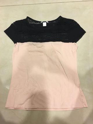 🚚 H&M蕾絲拼接雙色上衣