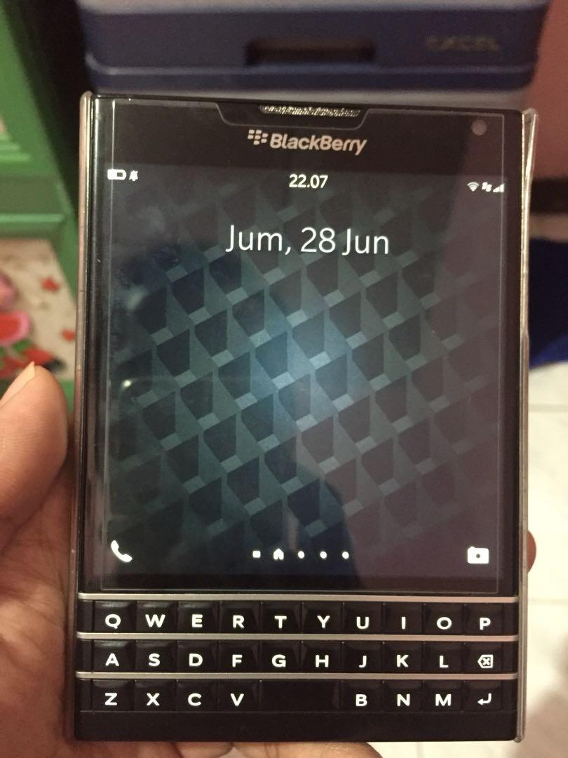 Blackberry Passport, Mobile Phones & Tablets, Others on