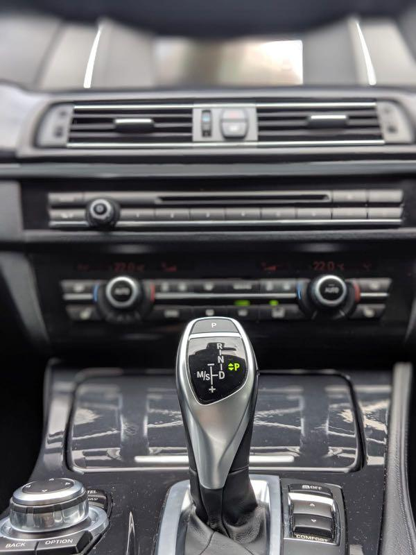 BMW 528i Sedan Auto