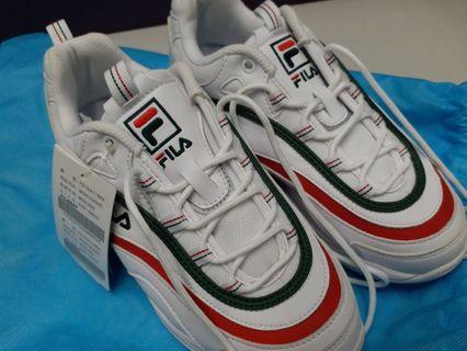 ❤❤全新未用過FILA女裝運動鞋適合(37-38號),日常運動行山配搭服飾使用相當不錯,韓國購入(香港少有款式),因尺碼不合因而割愛。🙏❤缺盒🙏❤100%正貨