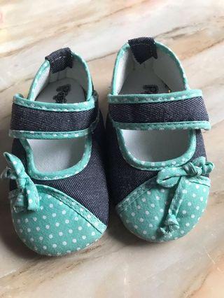 Sepatu Prewalker Pipiniko