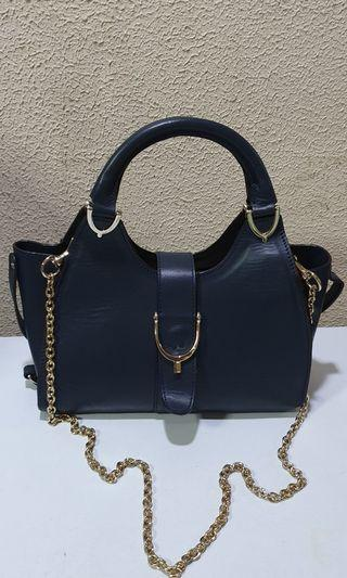 Gucci Leather w/Gold Chain Shoulder Bag
