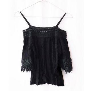 【Air space】一字吊帶蕾絲棉麻衫(黑)