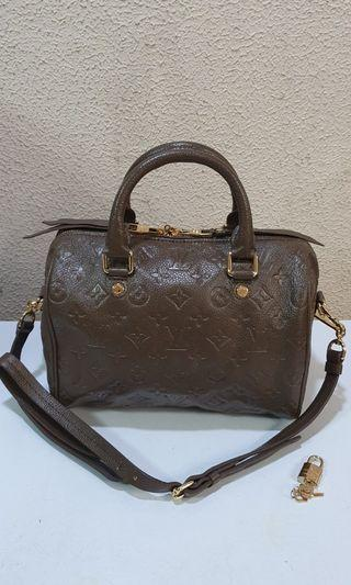 Loui Vuitton Empreinte Bandoliere 25