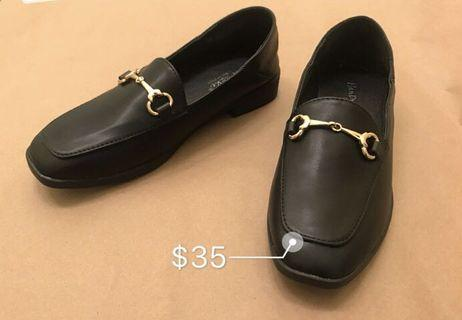 Black leather shoes size 37
