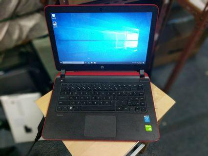 🚚 Pre-owned funky red 14 inch HP laptop