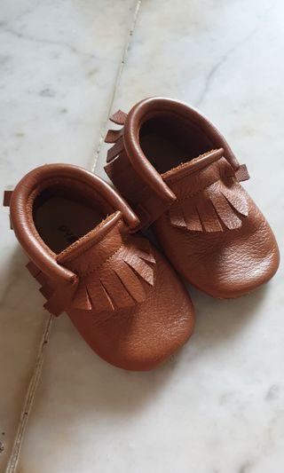 Sepatu bayi PYOPP
