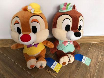 🚚 Authentic limited edition from Tokyo DisneySea Chip & Dale