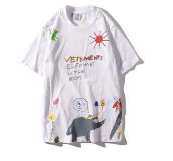 Vetememts Graffiti Shirt