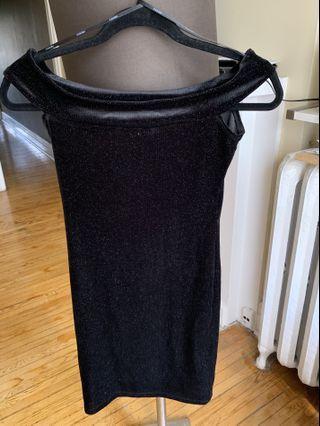 Off shoulders black mini dress
