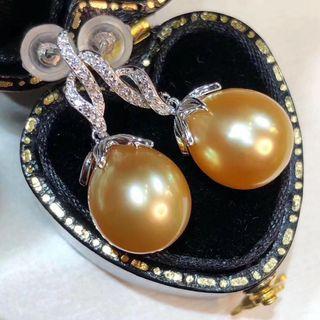 金珠耳環!皮光細膩光滑,光澤特別的透亮,s925銀精工鑲嵌,9-10mm微水滴