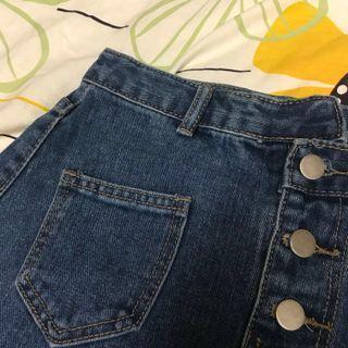 🚚 高腰不規則設計款牛仔短裙(M/L)