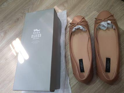 Beige Covered shoe size 40