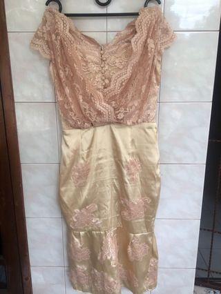 Dress Pesta gold - midi dress